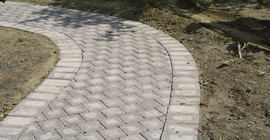 Hardscape-Pictures-Curved-Paver-Path
