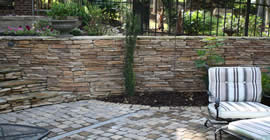 Hardscape-Pictures-Ledgestone-Wall-Steps2